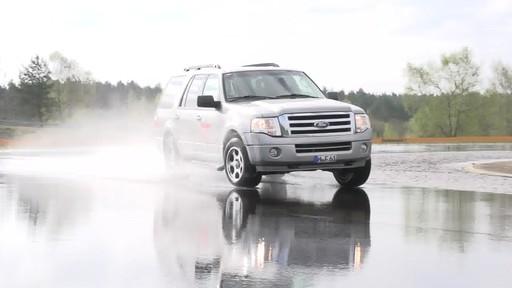 Camionnette - Meilleur de sa catégorie - image 5 from the video