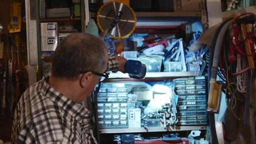 Projecteur 10 Watts MotoMaster Nautilus – Témoignage de Jim - image 3 from the video