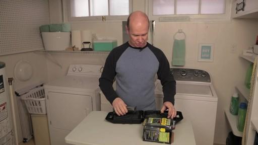 Tondeuse sans fil indestructible Remington- le témoignage de Steve - image 7 from the video