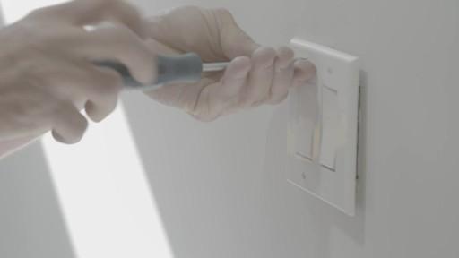 Coffre à outils robuste en plastique MAXIMUM – Témoignage de Kevin - image 7 from the video