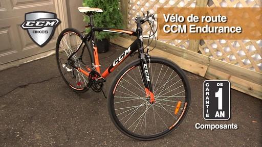 Vélo de route CCM Endurance 700C - image 10 from the video
