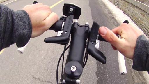 Vélo de route CCM Endurance 700C - image 2 from the video