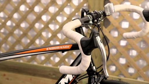 Vélo de route CCM Endurance 700C - image 5 from the video