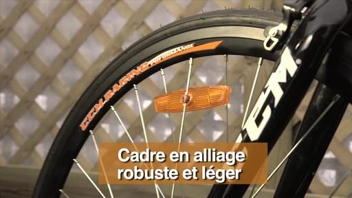 Vélo de route CCM Endurance 700C - image 6 from the video