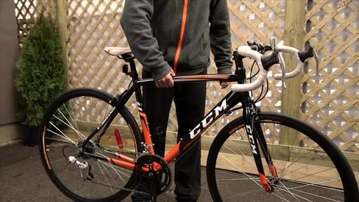 Vélo de route CCM Endurance 700C - image 7 from the video