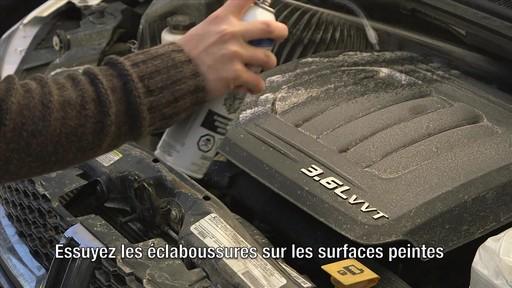 Gel nettoyant Gunk Engine Brite - image 5 from the video