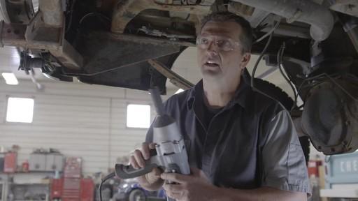 Clé à chocs MAXIMUM NB-le témoignage de Ken - image 7 from the video