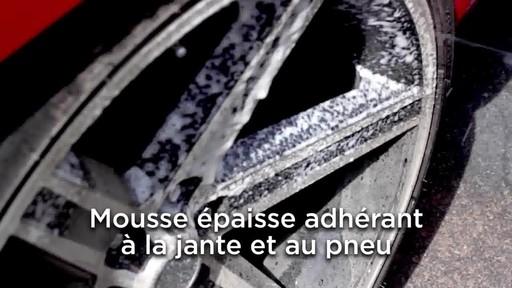 Nettoyant pour pneus et jantes Quicksilver d'Armor All - image 3 from the video