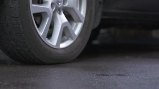 Nettoyant pour pneus et jantes Quicksilver d'Armor All - image 8 from the video