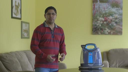 Aspirateur portable sans fil Bissell SpotClean-le témoignage de Greg - image 10 from the video