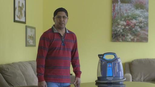 Aspirateur portable sans fil Bissell SpotClean-le témoignage de Greg - image 9 from the video