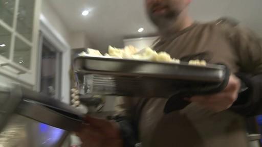 Four grille-pain vapeur et convection Cuisinart - Témoignage d'Eric - image 10 from the video