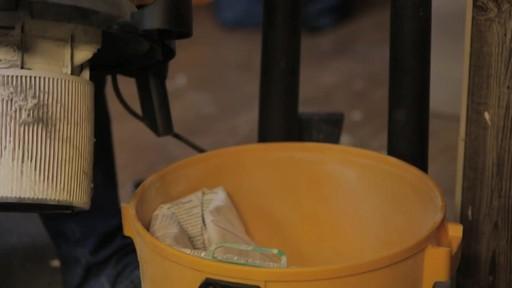 Aspirateur à pompe de déchets secs et humides Shop-VacMD – Témoignage de Rudy - image 8 from the video