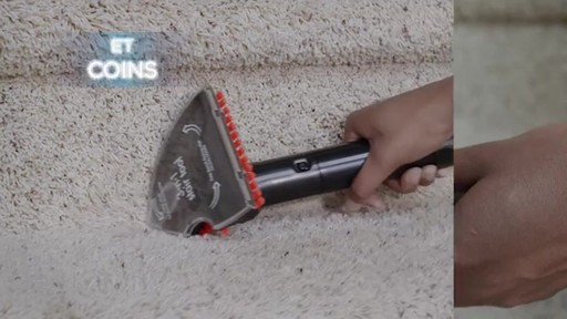 Aspirateur portable sans fil Bissell SpotClean  - image 7 from the video