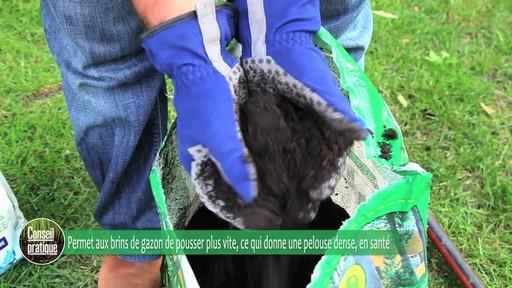 Application de terre à pelouse - image 3 from the video