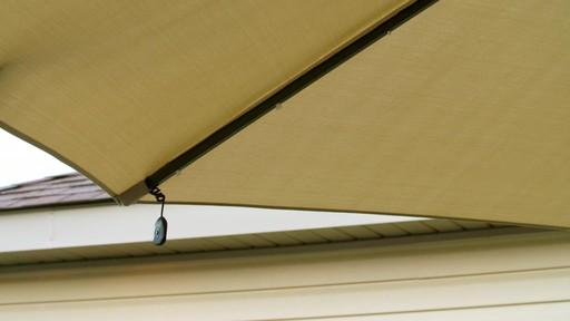 Parasol CANVAS Miramar déporté - image 2 from the video