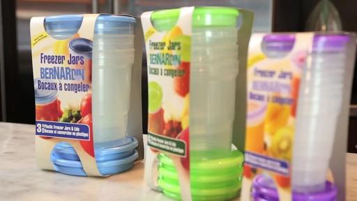 Bernardin bocaux et couvercles en plastic à congeler - image 4 from the video