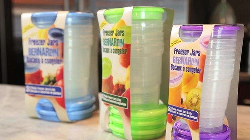 Bernardin bocaux et couvercles en plastic à congeler - image 7 from the video