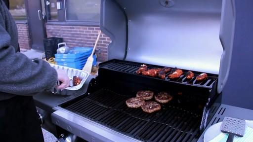 Barbecue à Coleman Revolution- le témoignage de visiteurs - image 2 from the video
