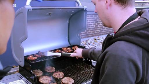 Barbecue à Coleman Revolution- le témoignage de visiteurs - image 6 from the video