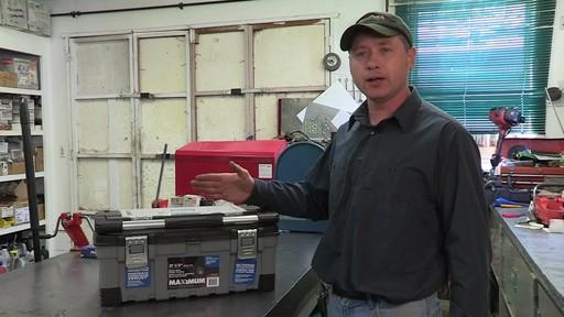 Coffre à outils robuste en plastique MAXIMUM – Témoignage de Don - image 10 from the video