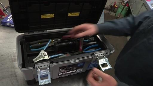 Coffre à outils robuste en plastique MAXIMUM – Témoignage de Don - image 2 from the video