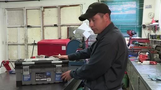 Coffre à outils robuste en plastique MAXIMUM – Témoignage de Don - image 5 from the video
