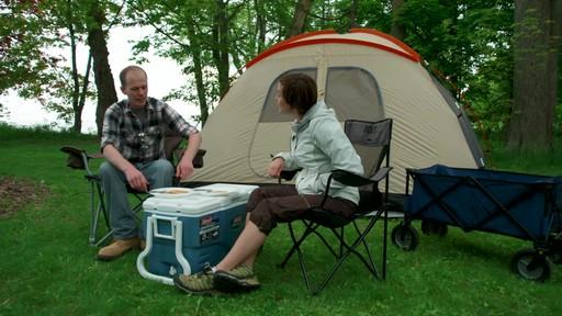 Ce que vous devez savoir Sur le montage d'une tente à mâts - image 10 from the video