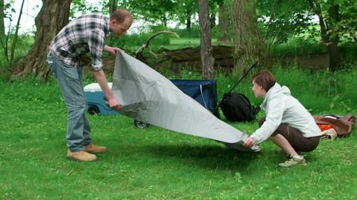 Ce que vous devez savoir Sur le montage d'une tente à mâts - image 2 from the video