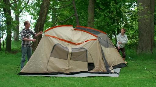 Ce que vous devez savoir Sur le montage d'une tente à mâts - image 6 from the video