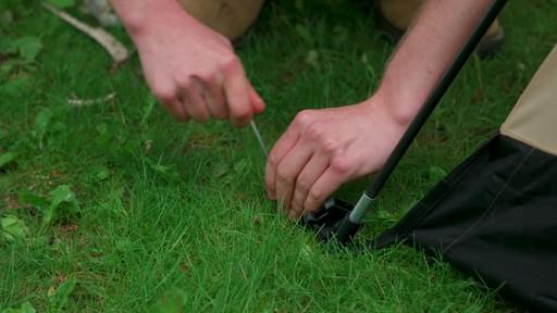 Ce que vous devez savoir Sur le montage d'une tente à mâts - image 7 from the video