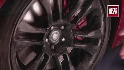 Nettoyant pour roues spéciales Autoglym - image 3 from the video