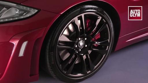 Nettoyant pour roues spéciales Autoglym - image 8 from the video