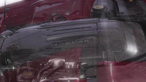 Produit Autoglym pour vinyle et caoutchouc - image 2 from the video