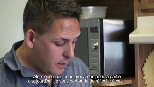 Pour alimenter la réflexion  - Don LaRosa (Nous jouons tous pour le Canada) - image 5 from the video