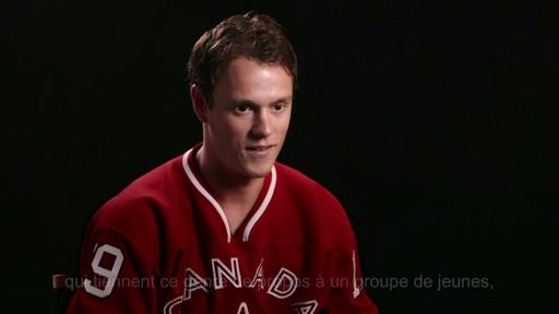Pour alimenter la réflexion  - Don LaRosa (Nous jouons tous pour le Canada) - image 7 from the video