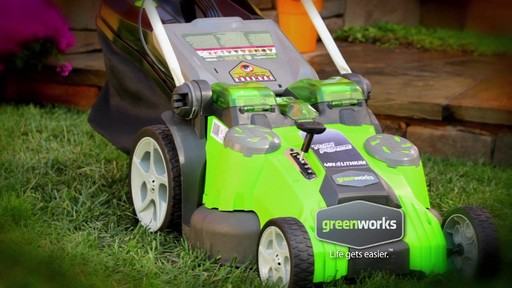 Tondeuse sans fil au lithium-ion GreenWorks TwinForce, 40 V, 20 po - image 1 from the video