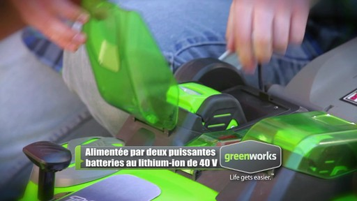 Tondeuse sans fil au lithium-ion GreenWorks TwinForce, 40 V, 20 po - image 5 from the video