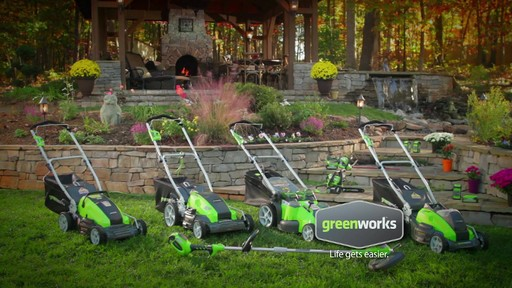 Tondeuse sans fil au lithium-ion GreenWorks TwinForce, 40 V, 20 po - image 9 from the video