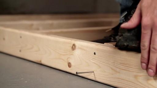 Marteau de charpentier MAXIMUM - image 1 from the video