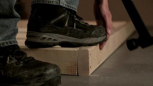 Marteau de charpentier MAXIMUM - image 5 from the video