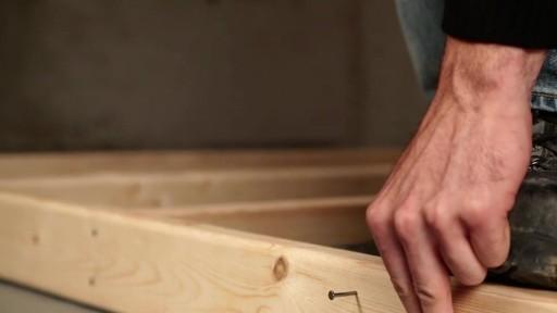 Marteau de charpentier MAXIMUM - image 8 from the video
