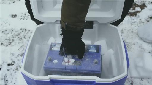 Un documentaire sur la création du camion de glace Canadian Tire (hiver 2013) - image 2 from the video