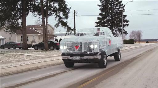 Un documentaire sur la création du camion de glace Canadian Tire (hiver 2013) - image 9 from the video
