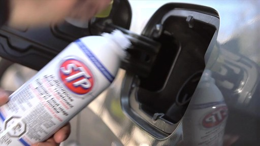 Additif pour moteur STP tout usage - image 3 from the video