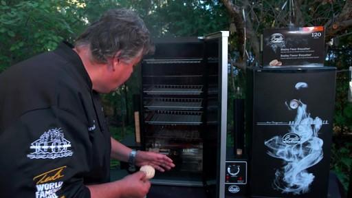 Bradley Smoker - pour les articles et accessoires des fumoirs Bradley - image 8 from the video