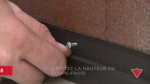 Comment installer un bas de porte - image 8 from the video