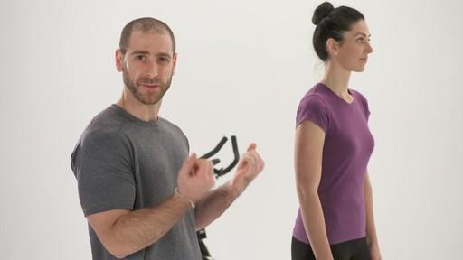 Exercices et articulations - Conseils de mise en forme de Canadian Tire - image 4 from the video