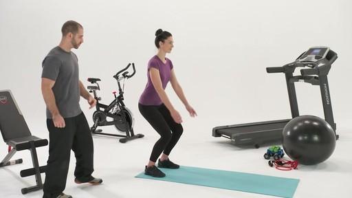 Exercices et articulations - Conseils de mise en forme de Canadian Tire - image 5 from the video