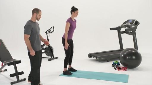 Exercices et articulations - Conseils de mise en forme de Canadian Tire - image 7 from the video